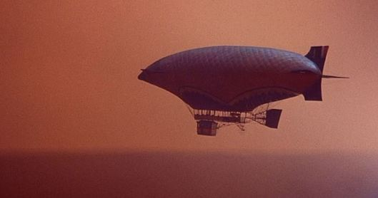 I just wonder whether this airship is fueled by hydrogen!
